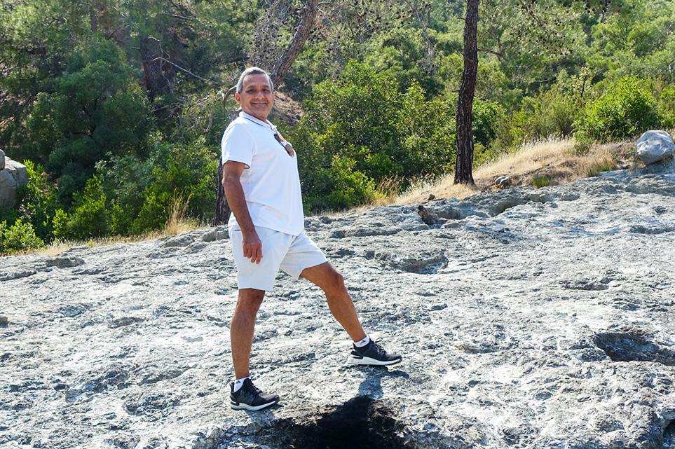 Omar hiking Chimaera